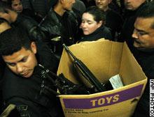 Tijuana_gun_handover