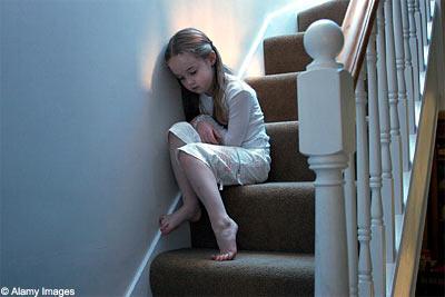 O?°'¨ طفلي يدفـع غضبي ¨'°?o lonely_kid.jpg