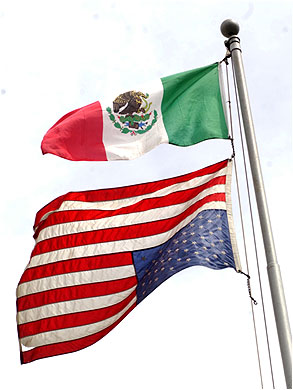 mexican_flag_american_flag_upsidedown