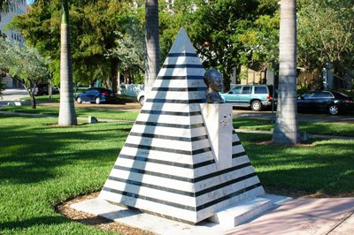 http://aftermathnews.wordpress.com/files/2007/12/josemarti_bust_pyramid.jpg
