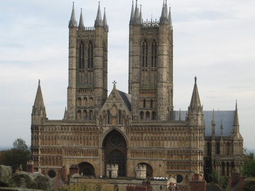 lincoln_cathedral_front