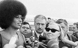 angela_davis_commie_moscow