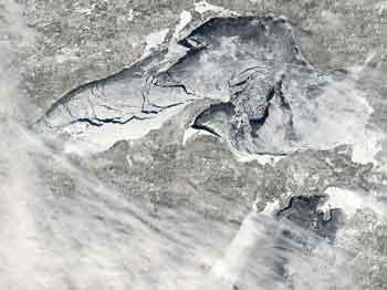 lake-superior-ice-mar3
