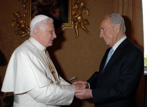 VATICAN POPE PERES