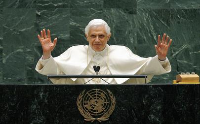 pope_un_podium