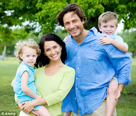 single parent vs traditional family essay Traditional family vs modern family 2 the traditional family vs the modern family the traditional family has typically been single parent families result.
