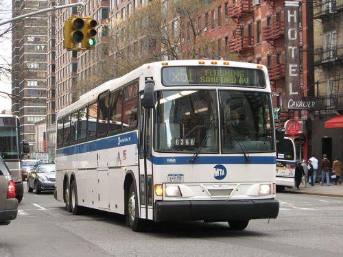800px-NYCTA_New_Flyer_D45V_998