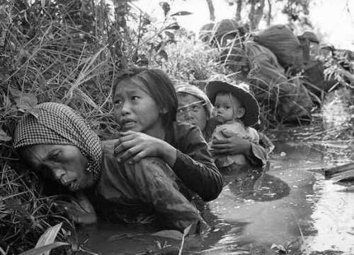 "the things they carried a close look at the vietnam war essay The things they carried discurse essay ""the things they carried"" displays men in the heart of war they searched villages without knowing what to look."